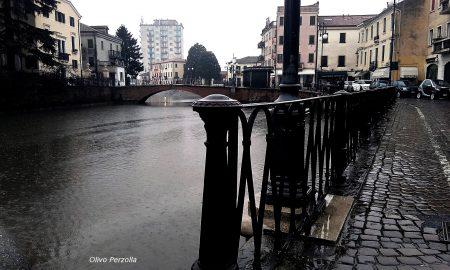 """""""sotto La Pioggia"""""""