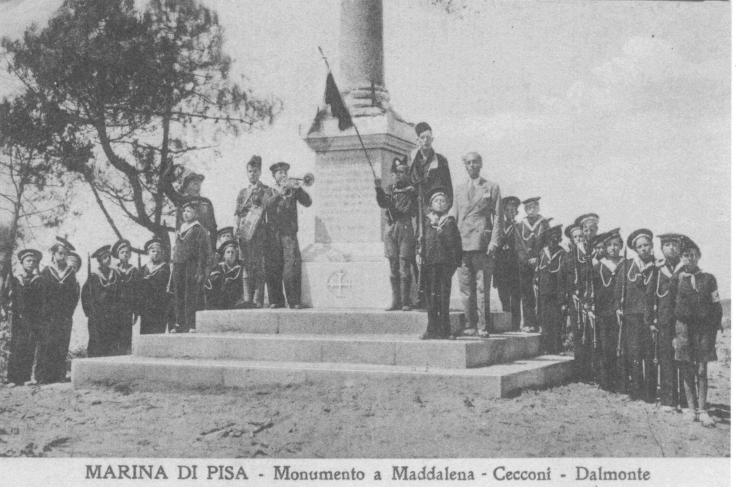 Marina Di Pisa Monumento A Maddalena