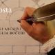 Adria Nascosta - una mano che scrive con una penna d'oca