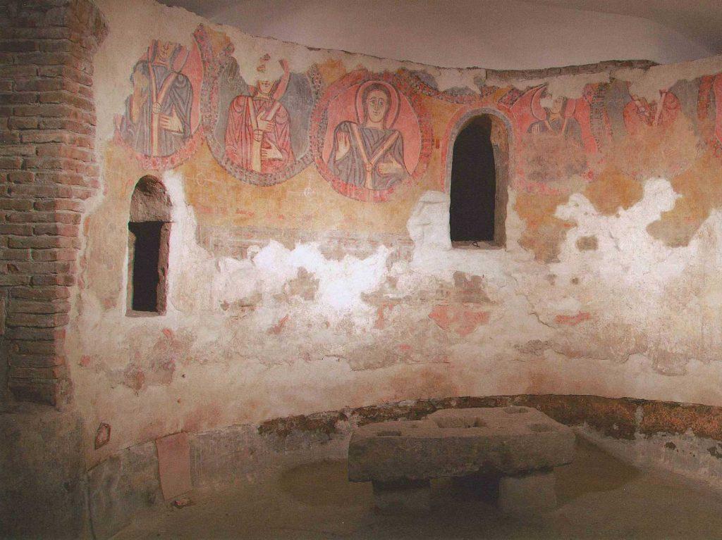 Santi Pietro e Paolo - interno della cripta
