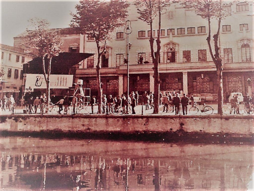 Torna il settembre adriese: allestimento trasmissione Campanile Sera nel 1960 in Piazza Cavour