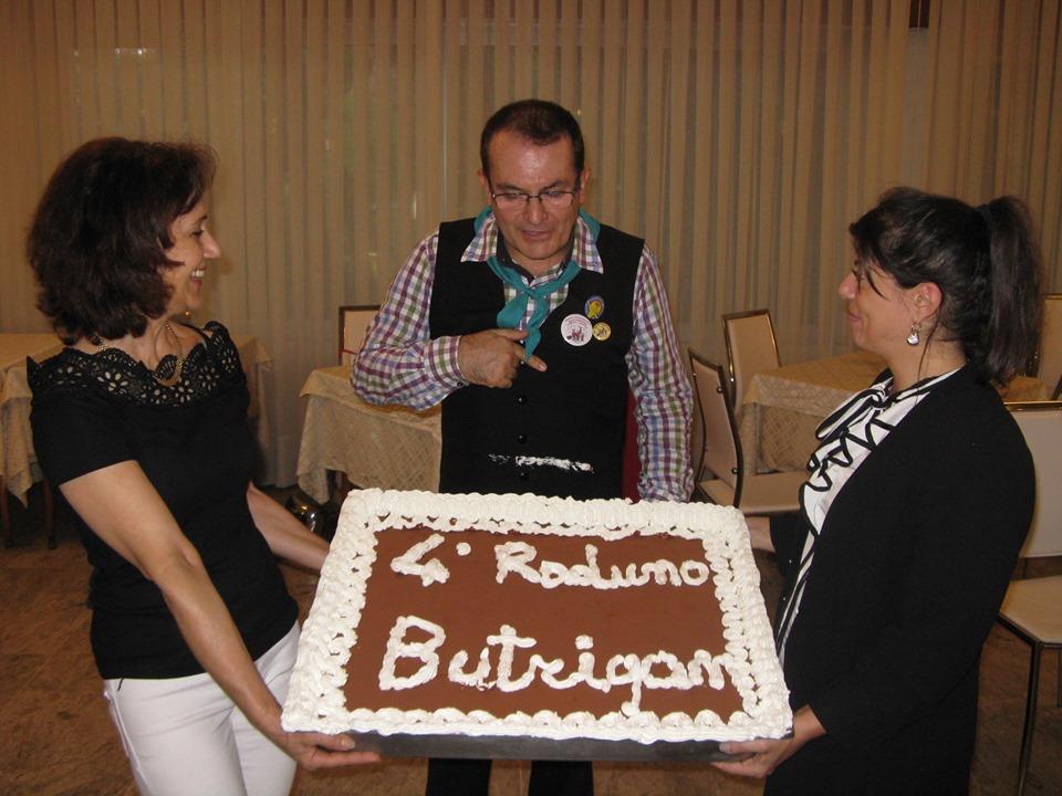 La Torta Che Festeggia Il Raduno