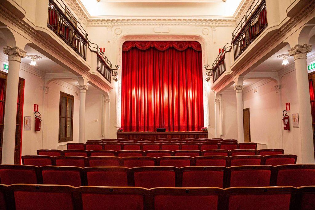 Streaming Adria La Platea Del Teatro Ferrini