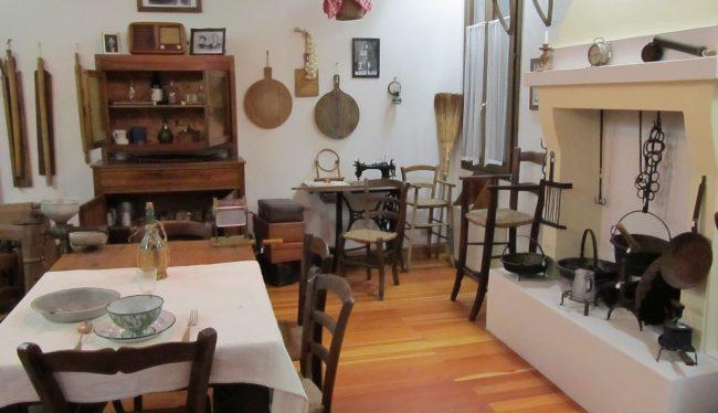 Antiche Tradizioni Locali-interno del Museo A L'alboron Costa