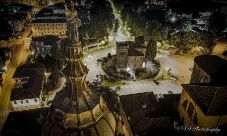 Dietro La Cattedrale...