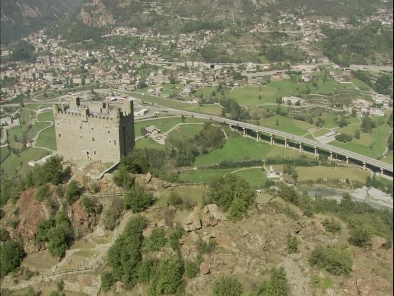 131846922 Castello Di Ussel Chatillon Aosta Medioevo Valle