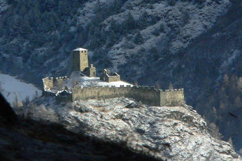 Tesoro Del Castello Di Graines - foto del castello innevato
