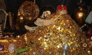 Tesoro Del Castello Di Graines - foto di un tesoro sepolto assieme al suo scopritore