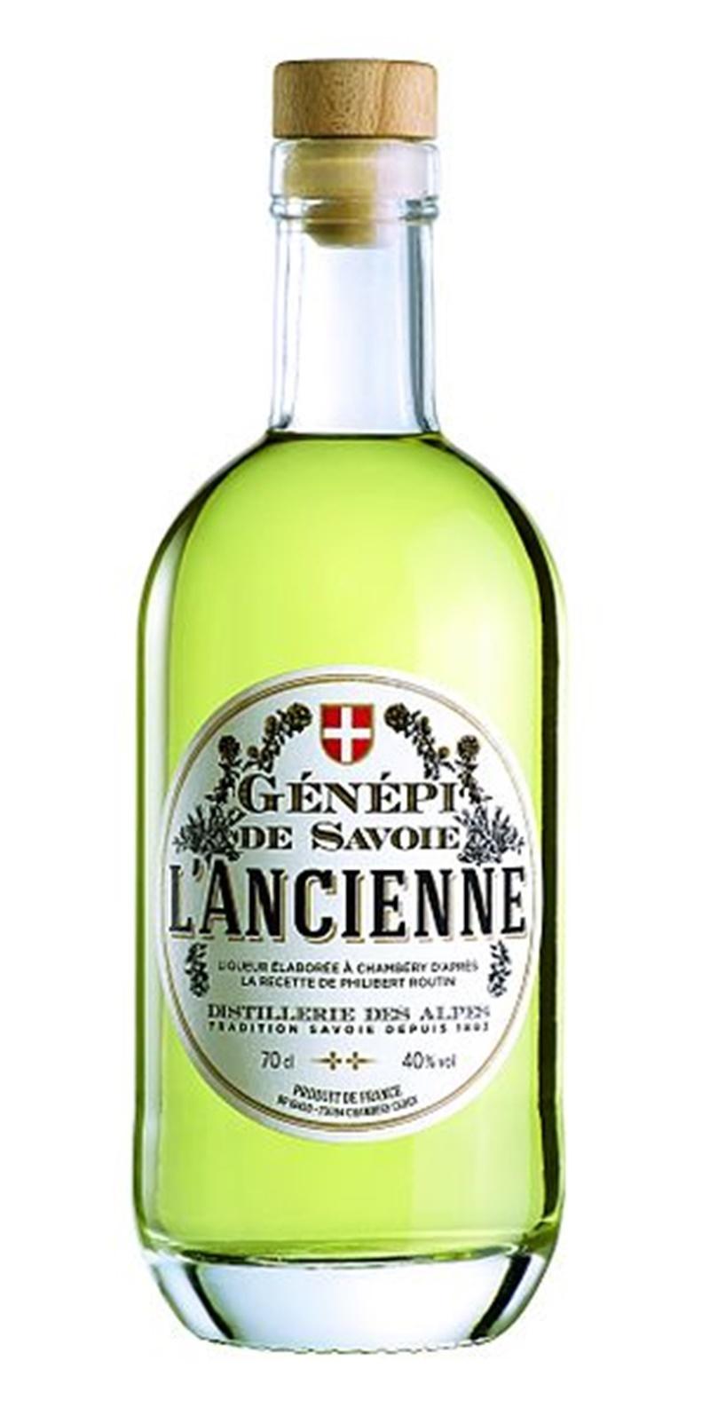 bottiglia commerciale di genepì