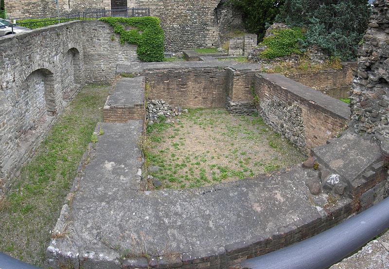 Cisterna Del Castello Di Bramafam