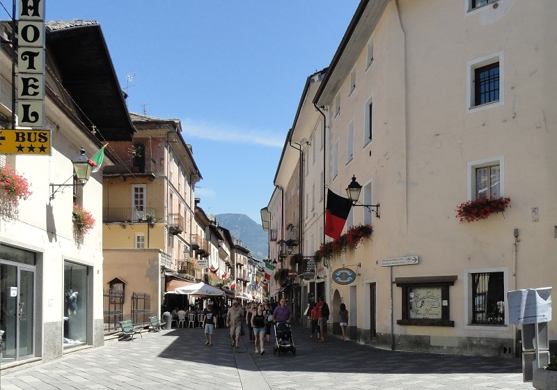 vie dello shopping di Aosta - Via Aubert