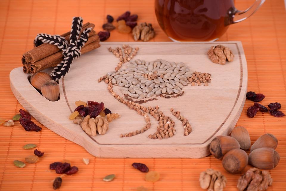 Pane Dolce e frutta secca di stagione