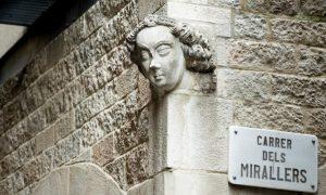 barcellona misteriosa Carassa Del Carrer Mirallers