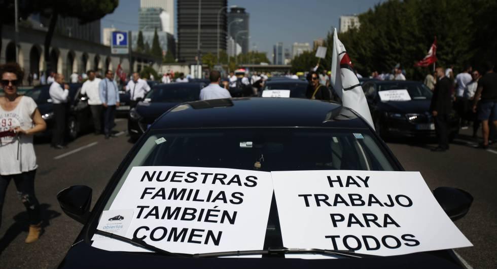 Uber Cabify Barcellona - tassisti cabify in protesta