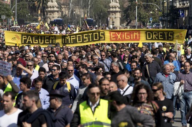 Uber Cabify Barcellona - tassisti in protesta