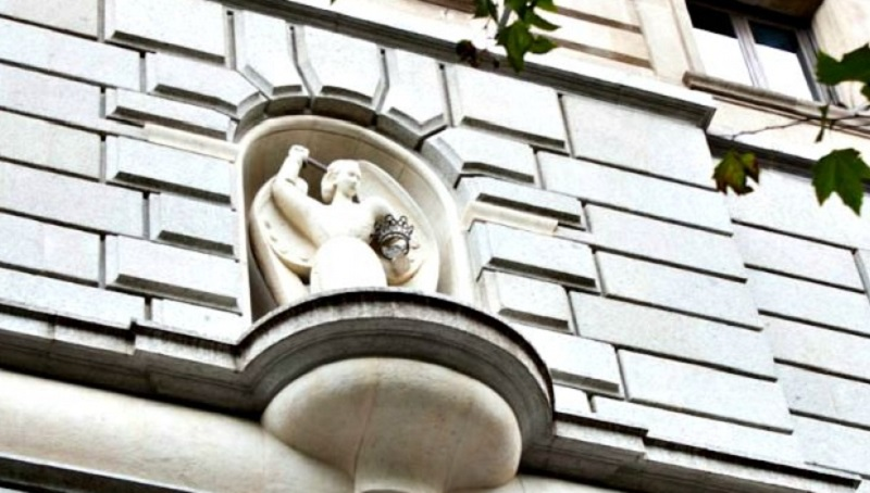 Portal de l'Ángel - la statua dell'angelo