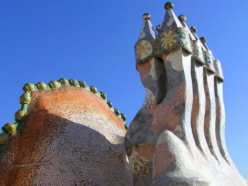 Casa Batlló - Dettaglio del tetto con ciminiere