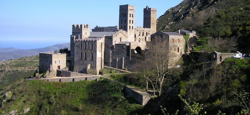 camì de ronda - immagine del monastero