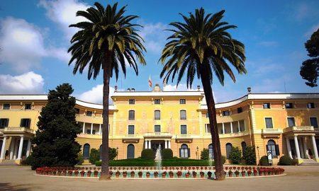 Palau Reial Pedralbes nel parco di Pedralbes di Barcellona