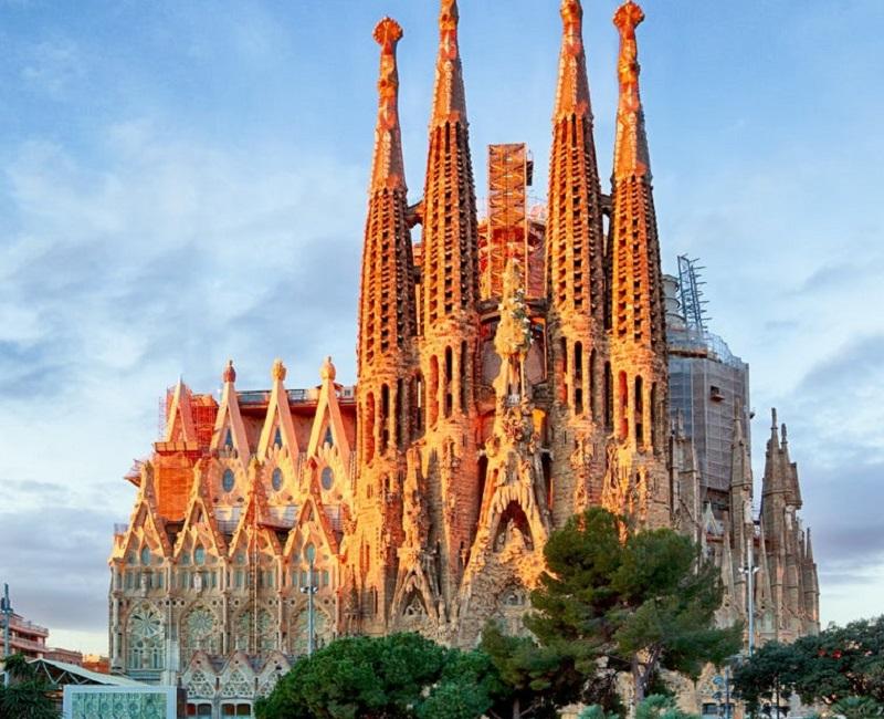 La Sagrada Familia riapre - la chiesa