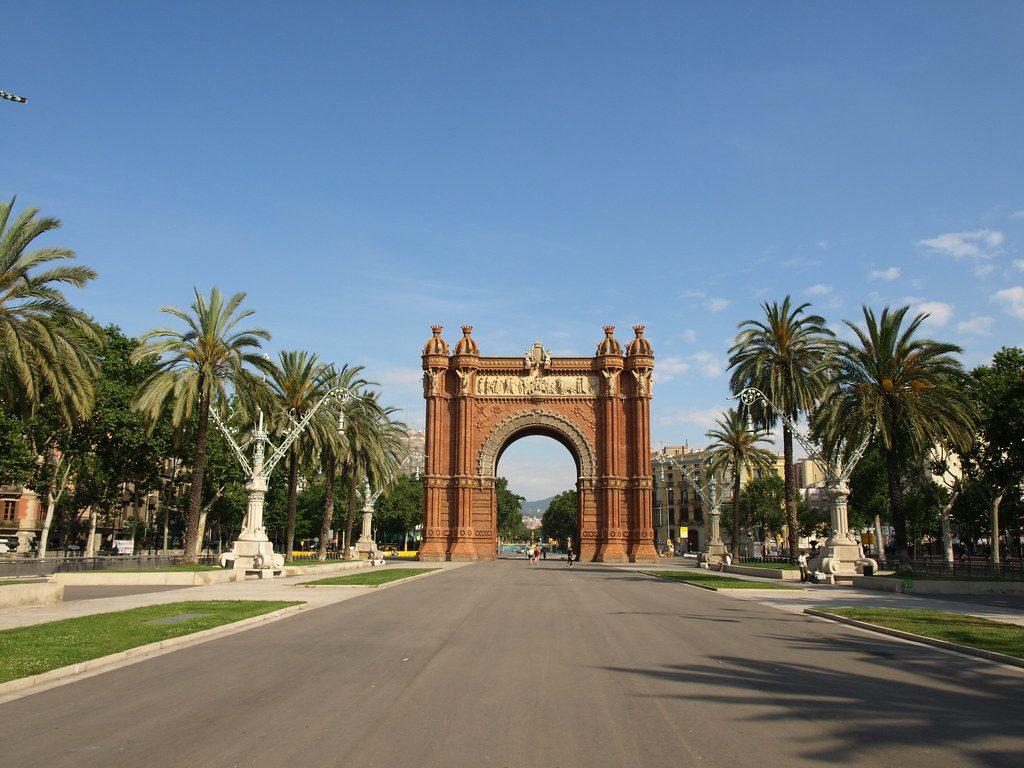 monnumenti ed edifici-facciata arc de triomf