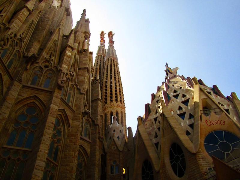 monumenti ed edifici-una parte de La Sagrada Familia