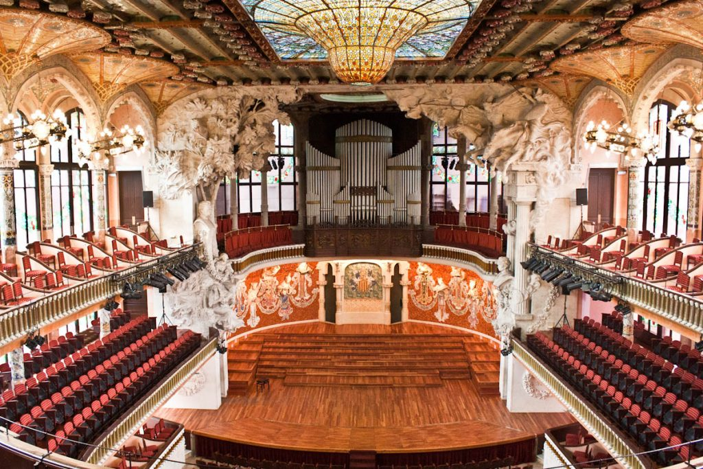 monumenti ed edifici-interno Palau De La Musica