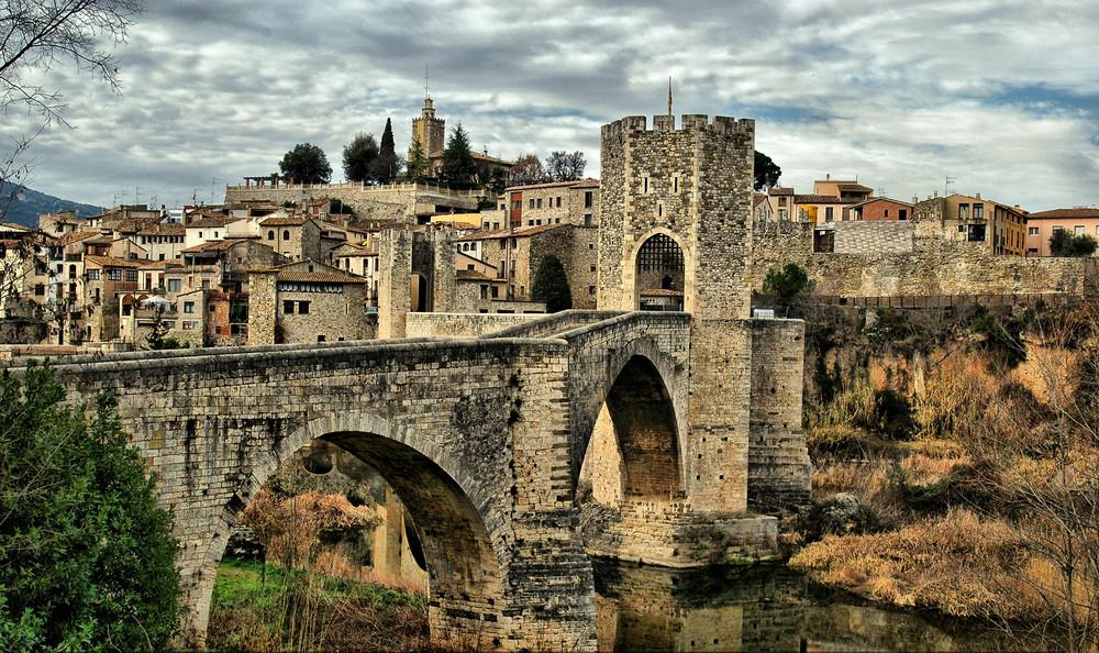 paesini catalani da visitare-Borgo medievale Besalú