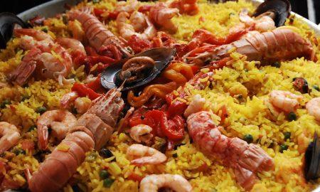 Dove mangiare la paella a Barcellona - piatto con la Paella