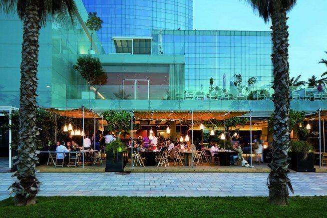 dove mangiare la paella a Barcellona-restaurante pez vela
