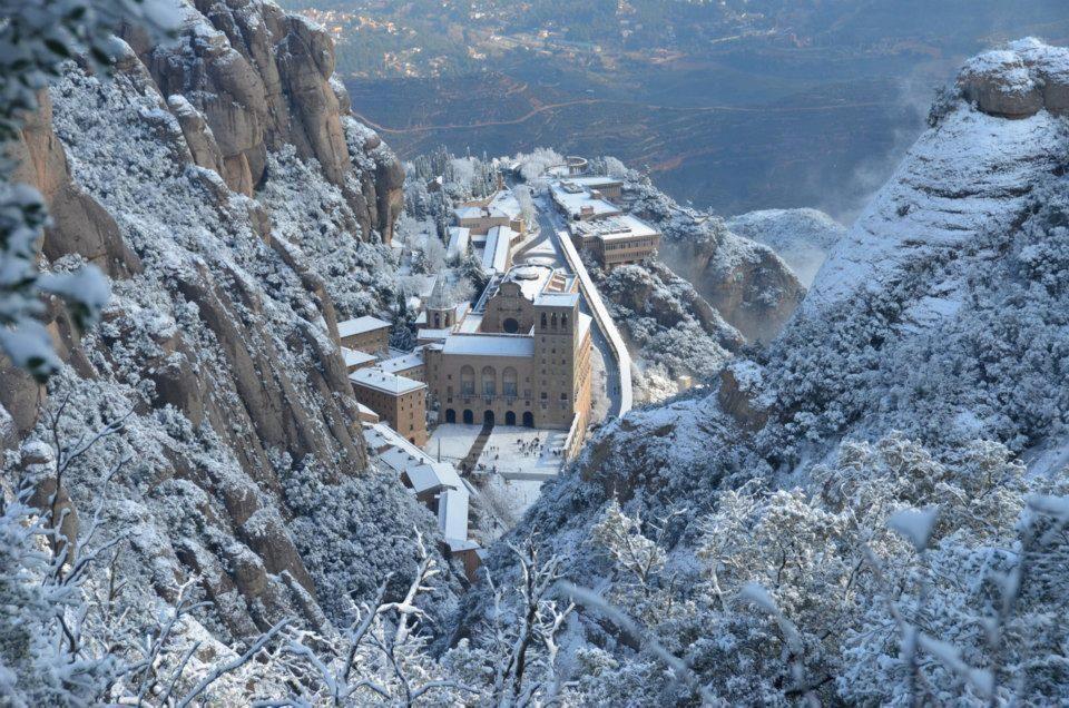 paesaggi catalani invernali-Il Montserrat