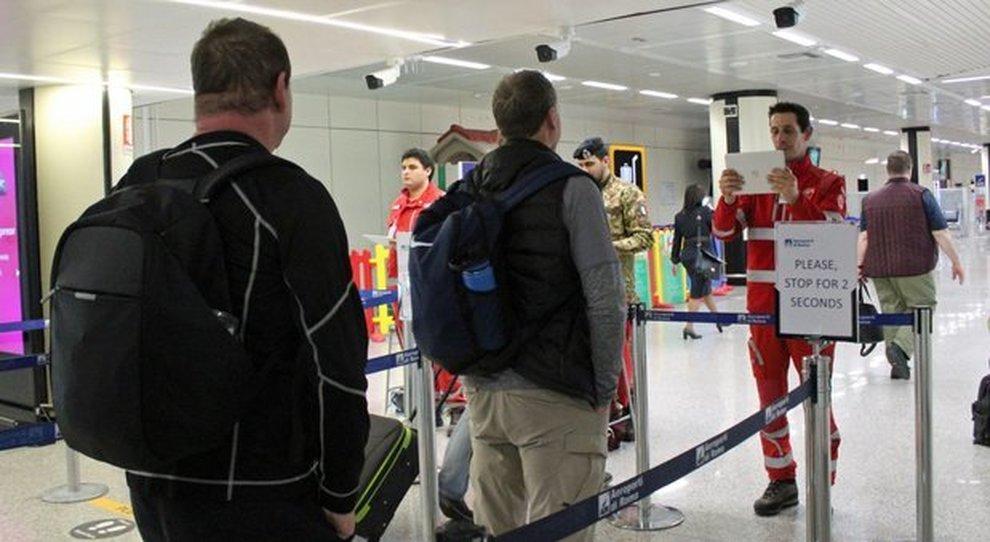 La Spagna misura la temperatura all'aeroporto