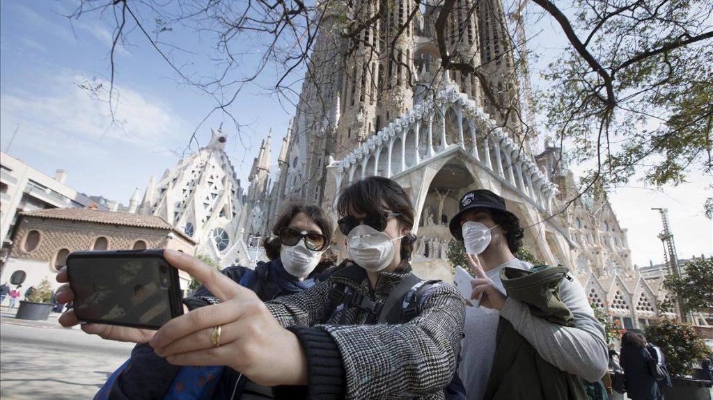 la Spagna apre le frontiere ai turisti a luglio