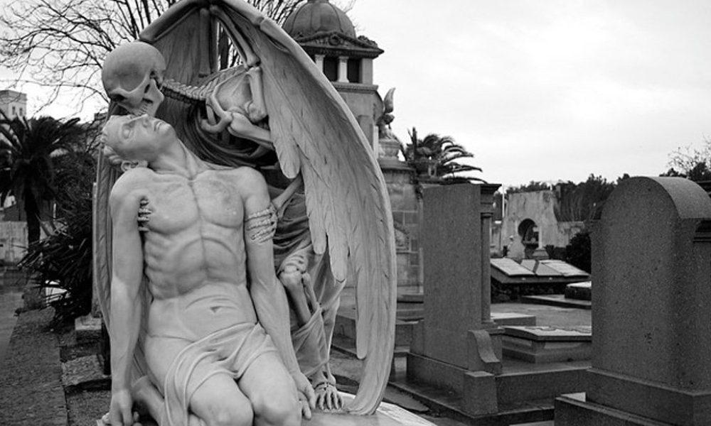 il bacio della morte Barcellona-scultura