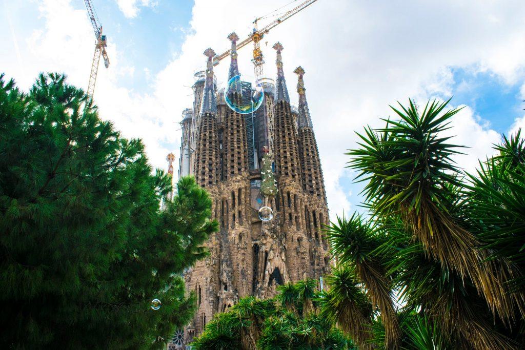 la Sagrada Familia riapre-accesso gratis per i residenti