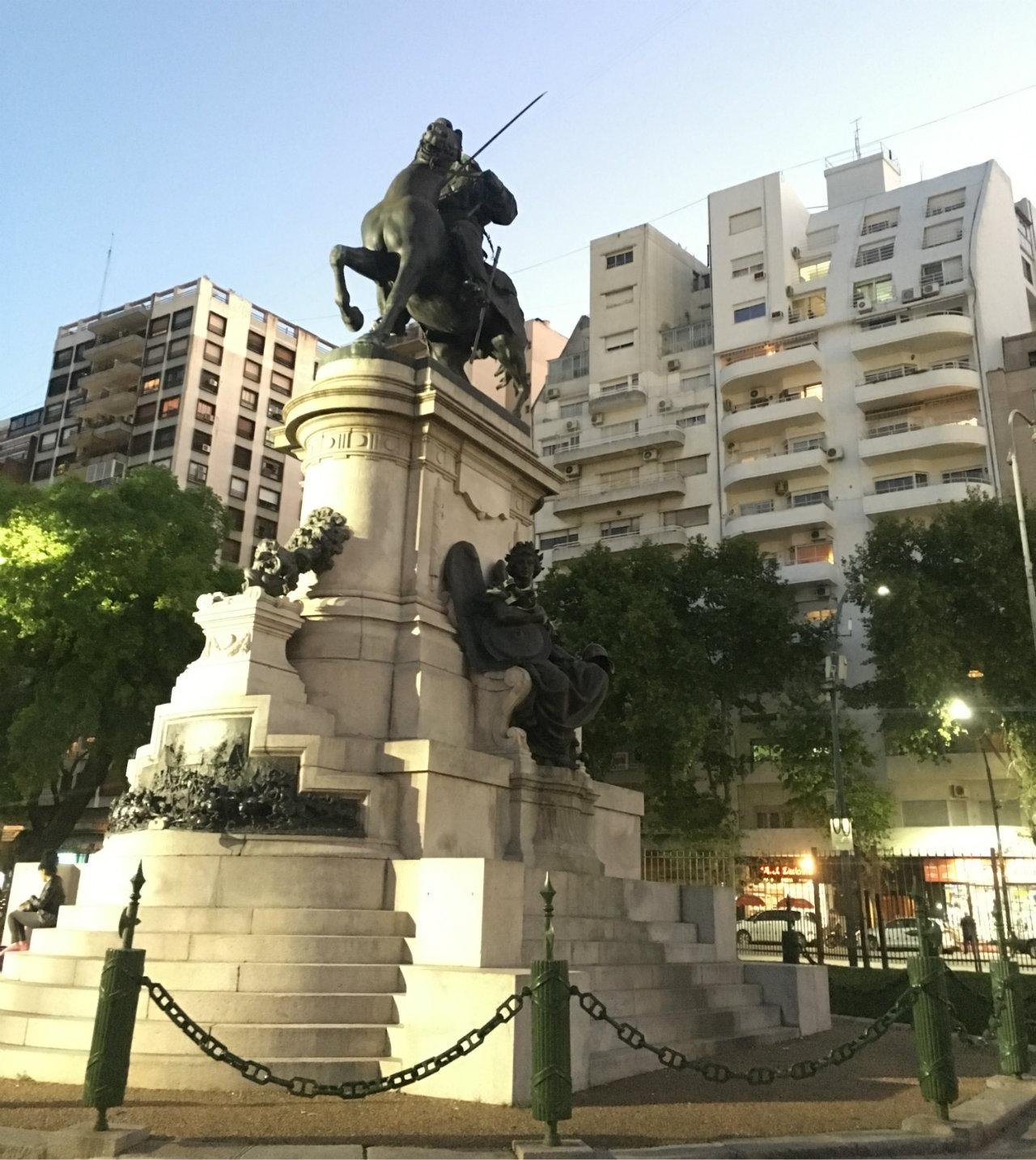 piazza italia statua di garibaldi