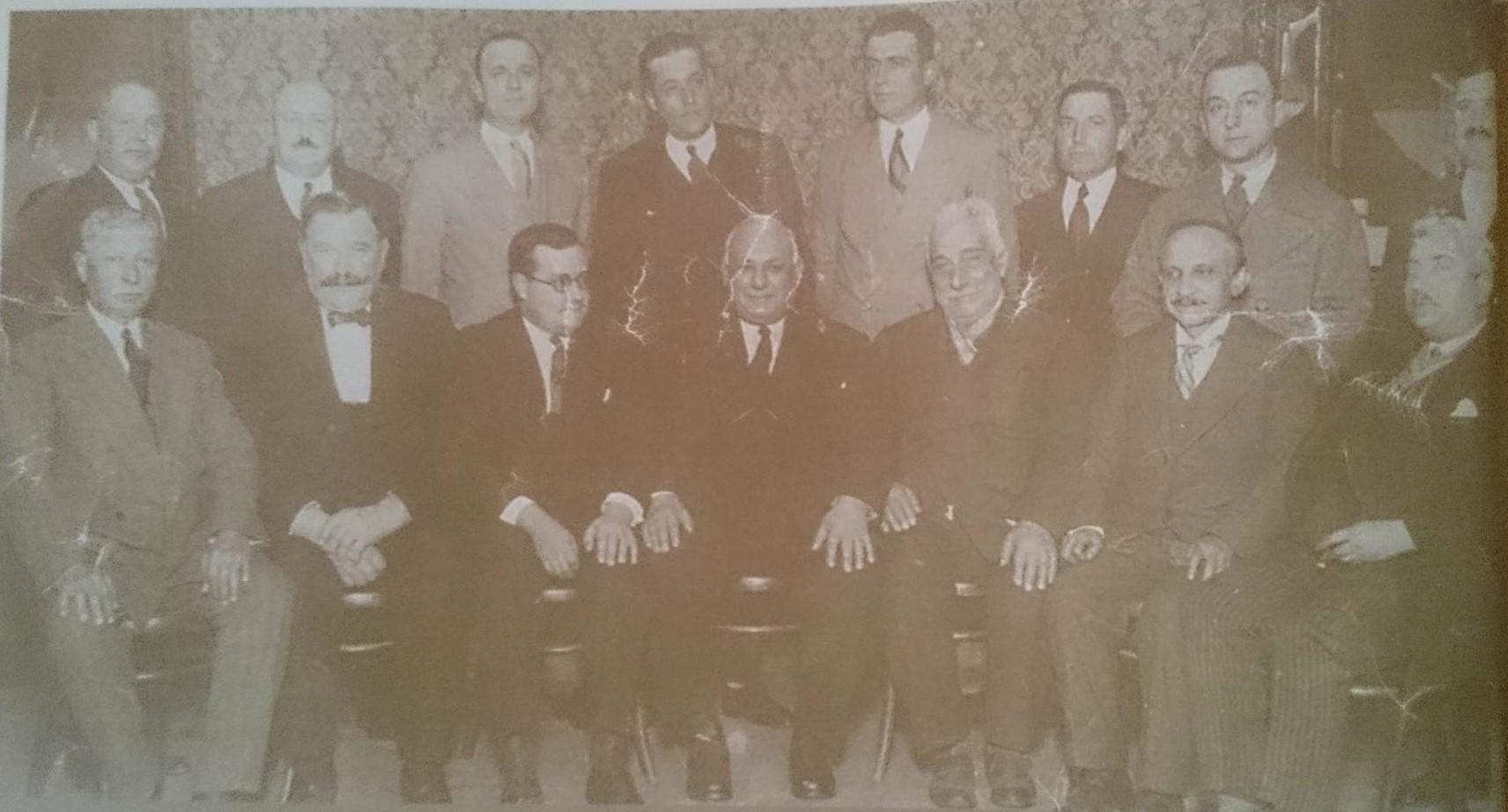 Foto dei membri della prima commissione della società unione e stella di Lomas de Zamora. Unione e Stella Lomas de Zamora.