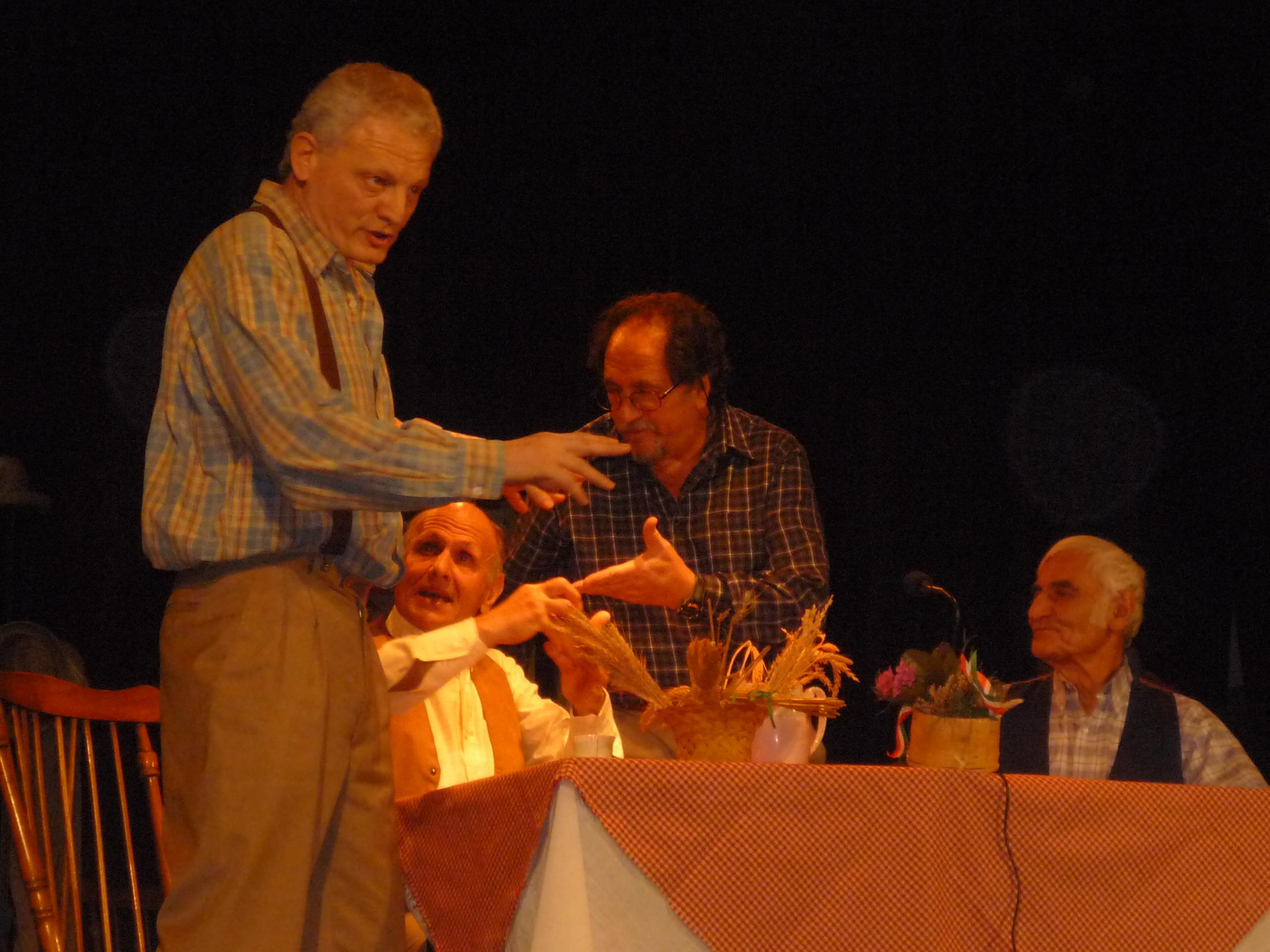 Tra le varie attività Vicente fa parte del grupo di Teatro Anima e Cuore. Intervista a Vicente D'Urso