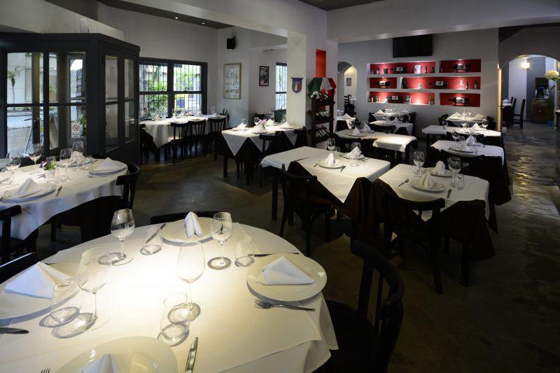 La familia de Alberto tenía un restaurante en el que él creció. Ike Milano