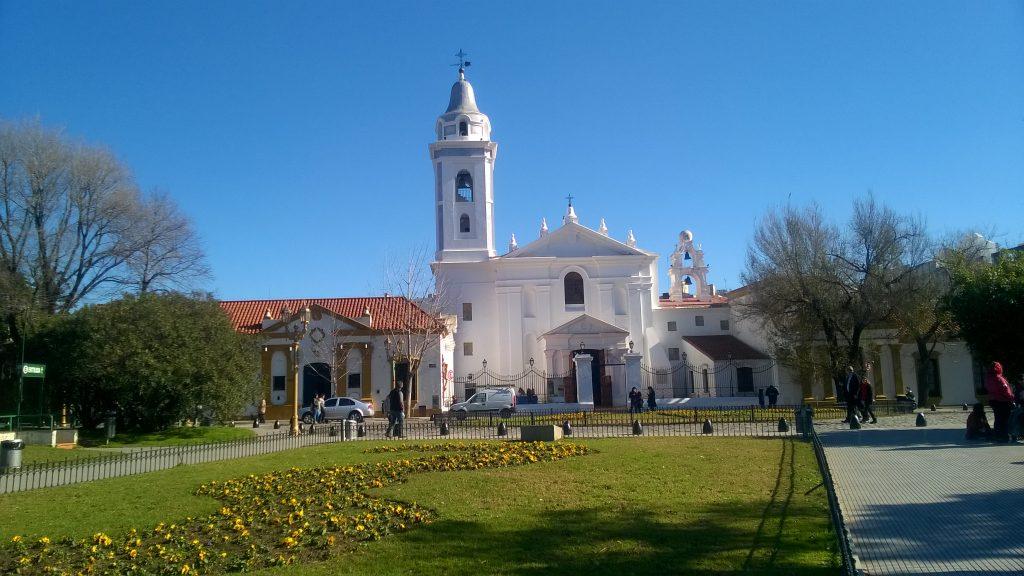 Cimitero di Recoleta - Basílica Del Pilar