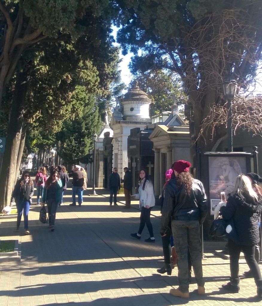 Interno del Cementerio De Recoleta