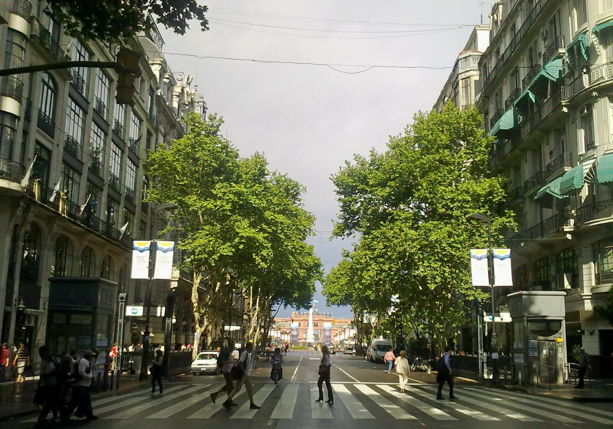 Avenidas - La Avenida de Mayo fue pensada como símbolo de riqueza y opulencia.