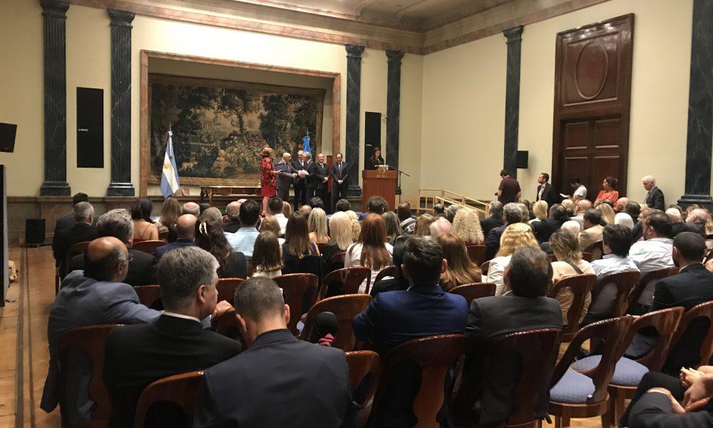 Premios A La Excelencia De La Italianidad Premios A A Excelencia De La Italianidad - L'italiano
