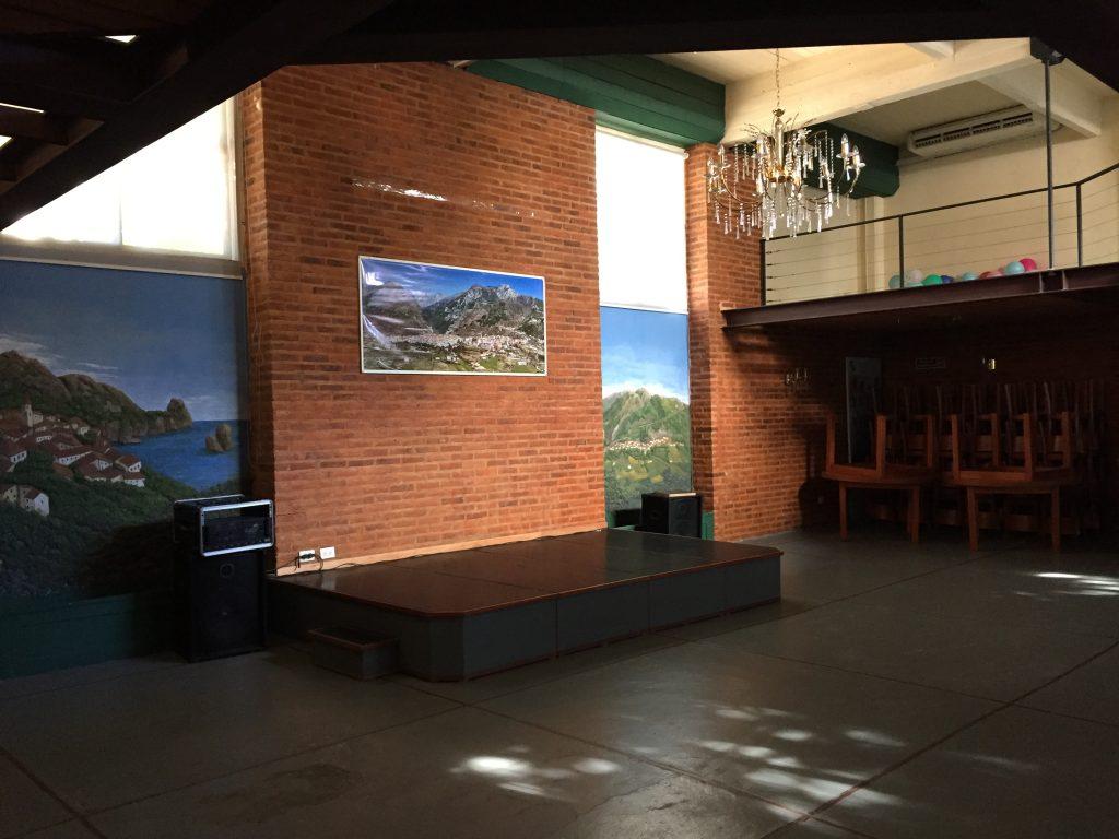 Unión Calabresa - Salón donde se realizan espectáculos y los almuerzos mensuales.