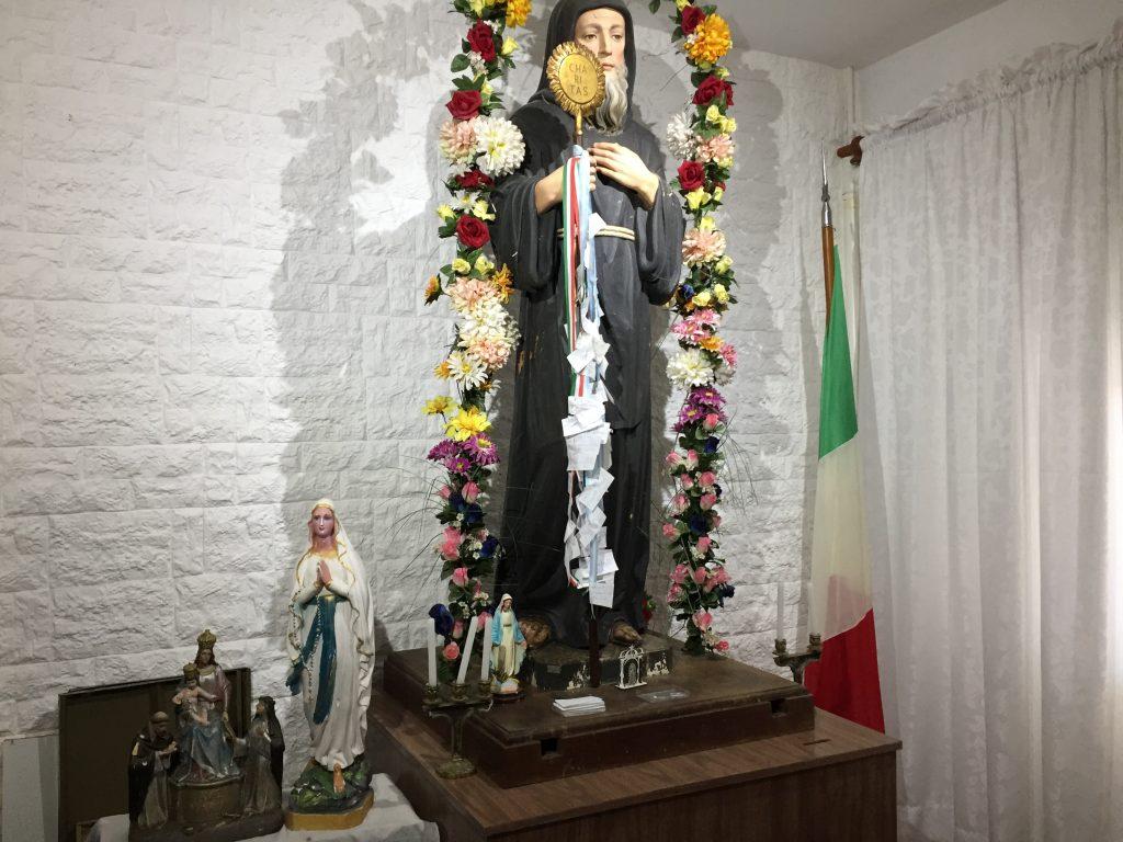 Unión Calabresa - La estatua de San Francisco de Paola