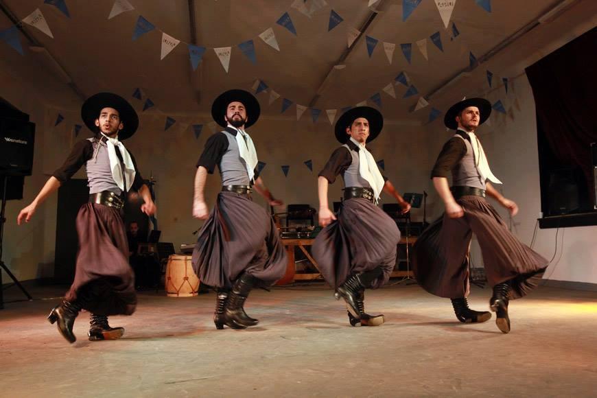 Danzas Típicas - Malambo Ballet Folklorico Una