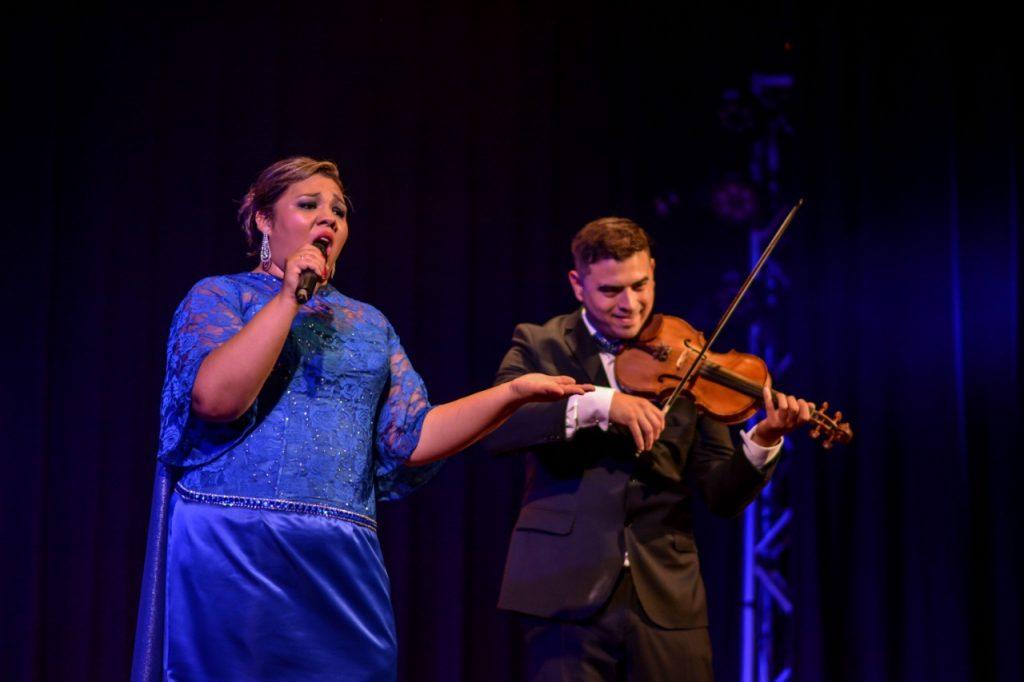Diana Gómez - En el escenario junto a su marido