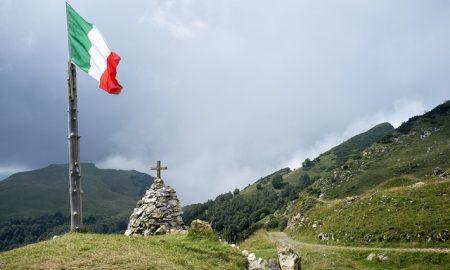 Lengua italiana - la bandiera sul monte