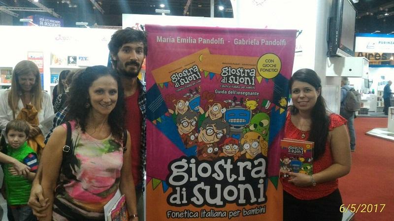 Fonética Italiana - El libro también fue presentado en la Feria del Libro con excelente repercusión.