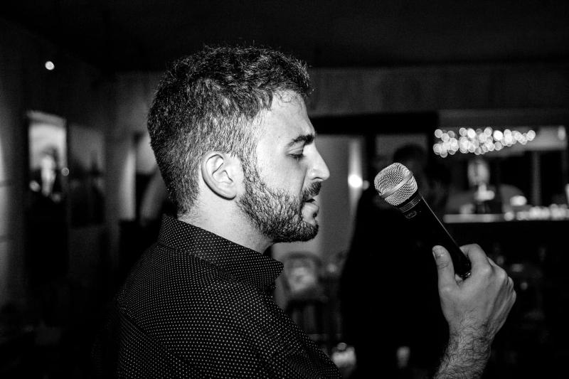 Pierro - Foto cantando